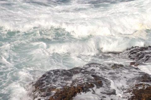 真冬並み大寒波!日本海の荒れ具合をご覧あれ・・・(故郷の釣り)